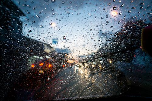【見えない! 滑る! ハンドル不能!?】 トラブル防止策を伝授!! 梅雨時のヒヤリ・ハット
