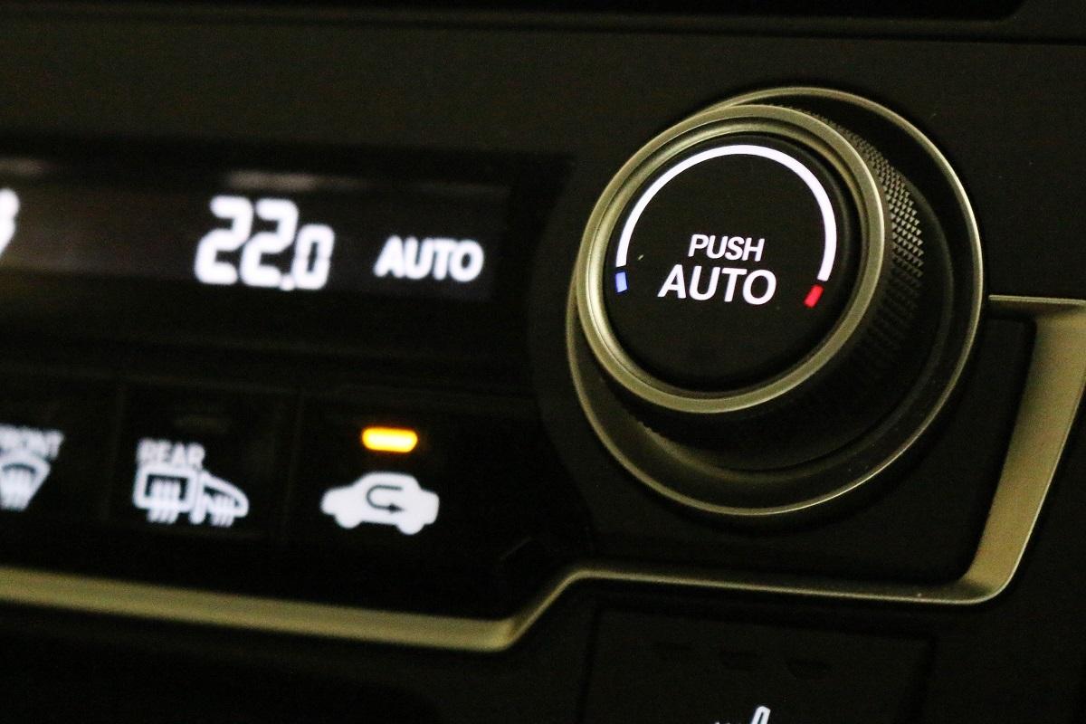 今や定番、オートエアコンの効能は? 意外と知らないカーエアコンの上手な使い方