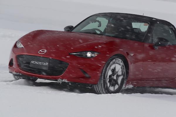この時期気をつけたい雪道運転の注意点 前輪駆動がやっぱり安全?