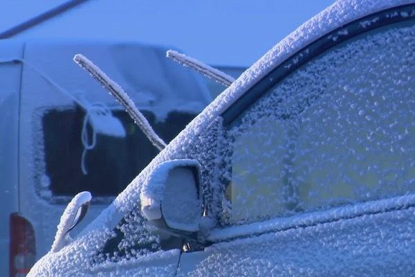 """マイナス10℃程度でどうなる!?  """"普通の車""""が低温時に注意すべき冬対策 3選"""