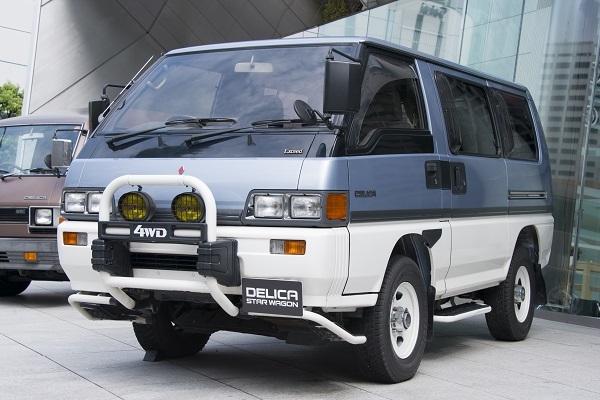 次期型「スペースギア」の登場以後も長く売り続けられた3代目「スターワゴン」」