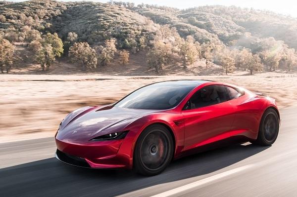 テスラの新型ロードスター。その導入記念車が「ファウンダーズ・シリーズ」で予約時に車両価格全額を支払う必要がある