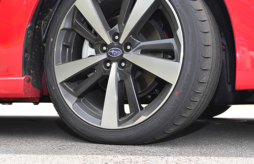 タイヤのチョイスのしかたによっても無駄を省くことができる。よく考えて選びたい