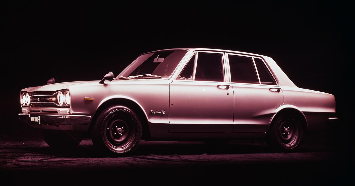 日産だけでなく、日本自動車界を代表するグレード名「GT-R」。長くトップブランドとしてその名を轟かせ、2007年12月以降は「車名」となった