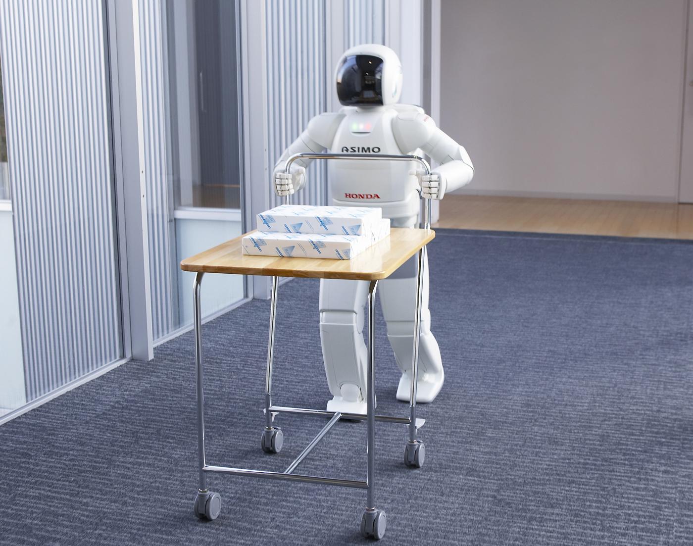 ホンダの二足歩行ロボット開発は1986年からスタートしている。それが「ASIMO」として結実したのは2000年。この長い歴史を持つ開発の歴史は途絶えたわけではないという