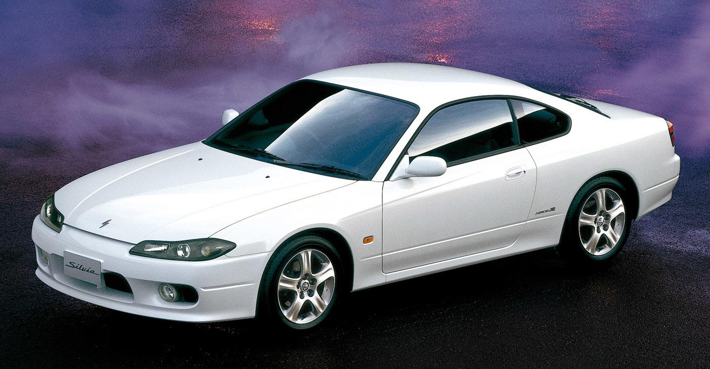 日産・シルビア(S15型は1999〜2002年)