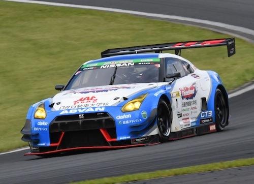 国産メーカーではGT3化トップバッターのGT-R。GT3ではFRだがスーパー耐久では近年チャンピオンを獲得