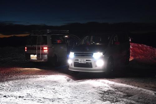 ご覧のとおり道は完全な凍結路。過信は命取りになるが、D:5の走行性能はオーナーの活動範囲を広げてくれる