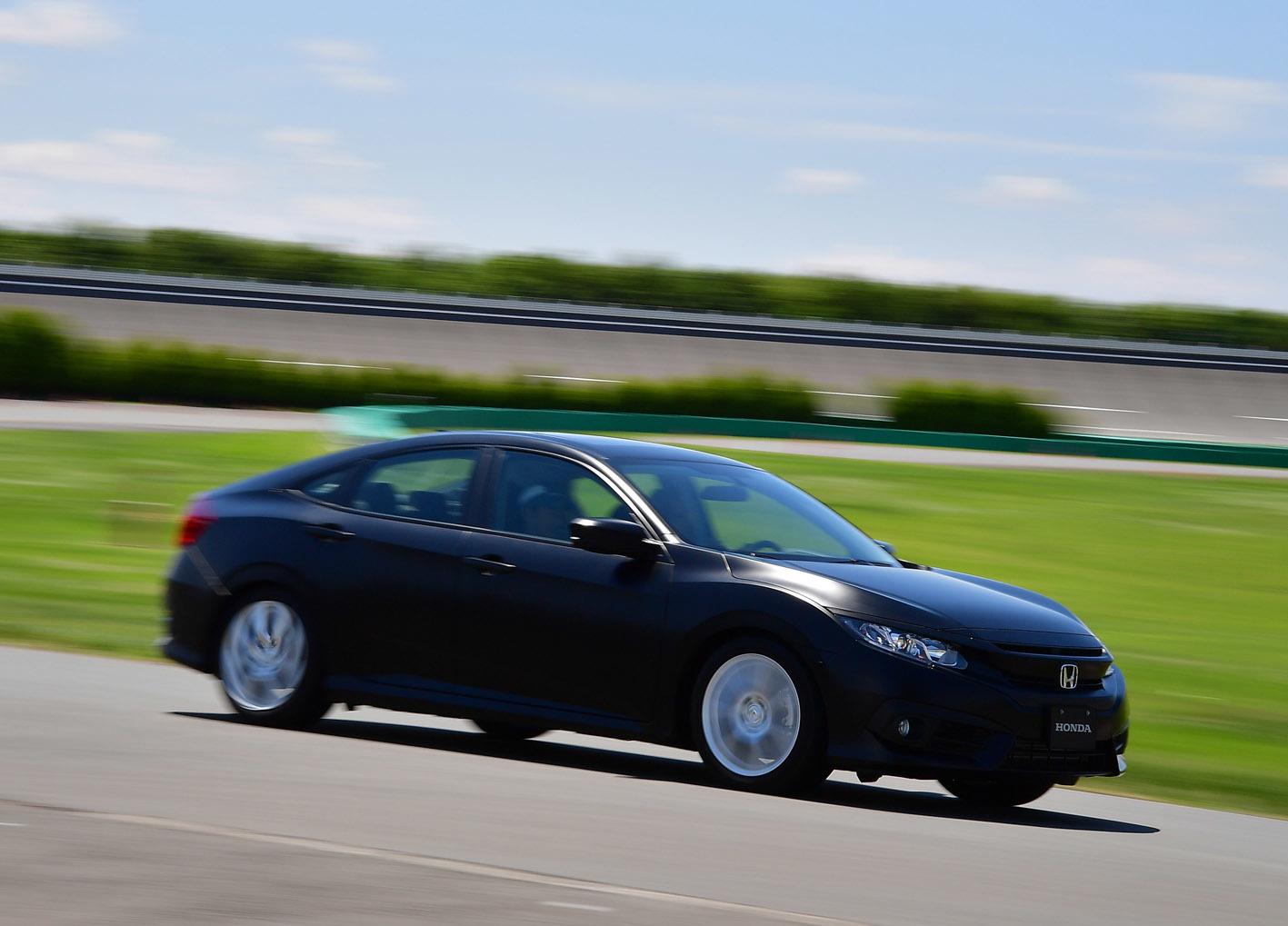 写真は今年8月に「ホンダミーティング」で試乗した、「ホンダの新世代車に搭載予定の空力と足回りをセッティングしたシビック」