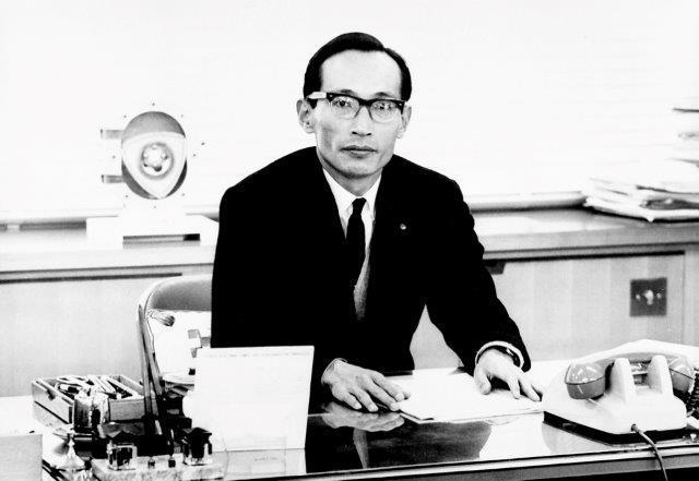 1967年頃、ロータリーエンジン研究部長時代の山本健一氏