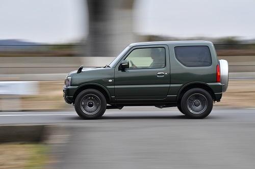 本格的なクロカン4WD車は、舗装路での乗り心地で不利だが、思った以上に乗り心地は悪くない