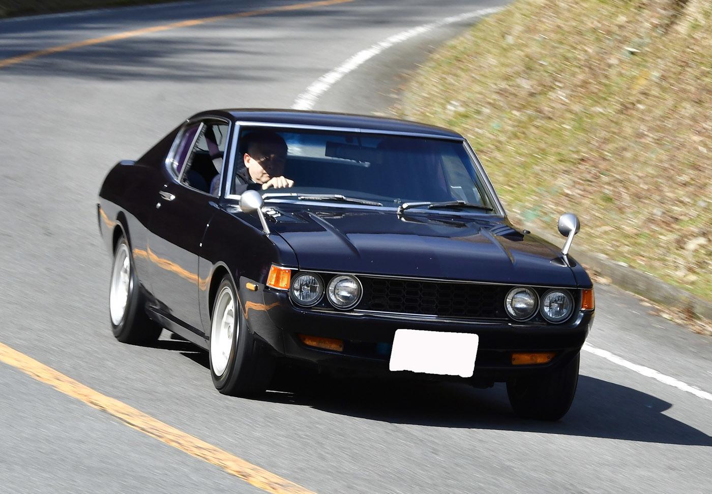 中垣さんの愛車、初代セリカリフトバック(LB)。19歳の時に中古で購入し、以来約35年、大事に乗り続けているという