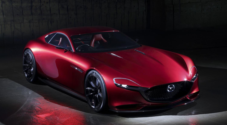 2015年の第44回東京モーターショーに出品された「RX-VISION」。次世代ロータリーエンジン「SKYACTIV-R」を搭載する、とアナウンスされた
