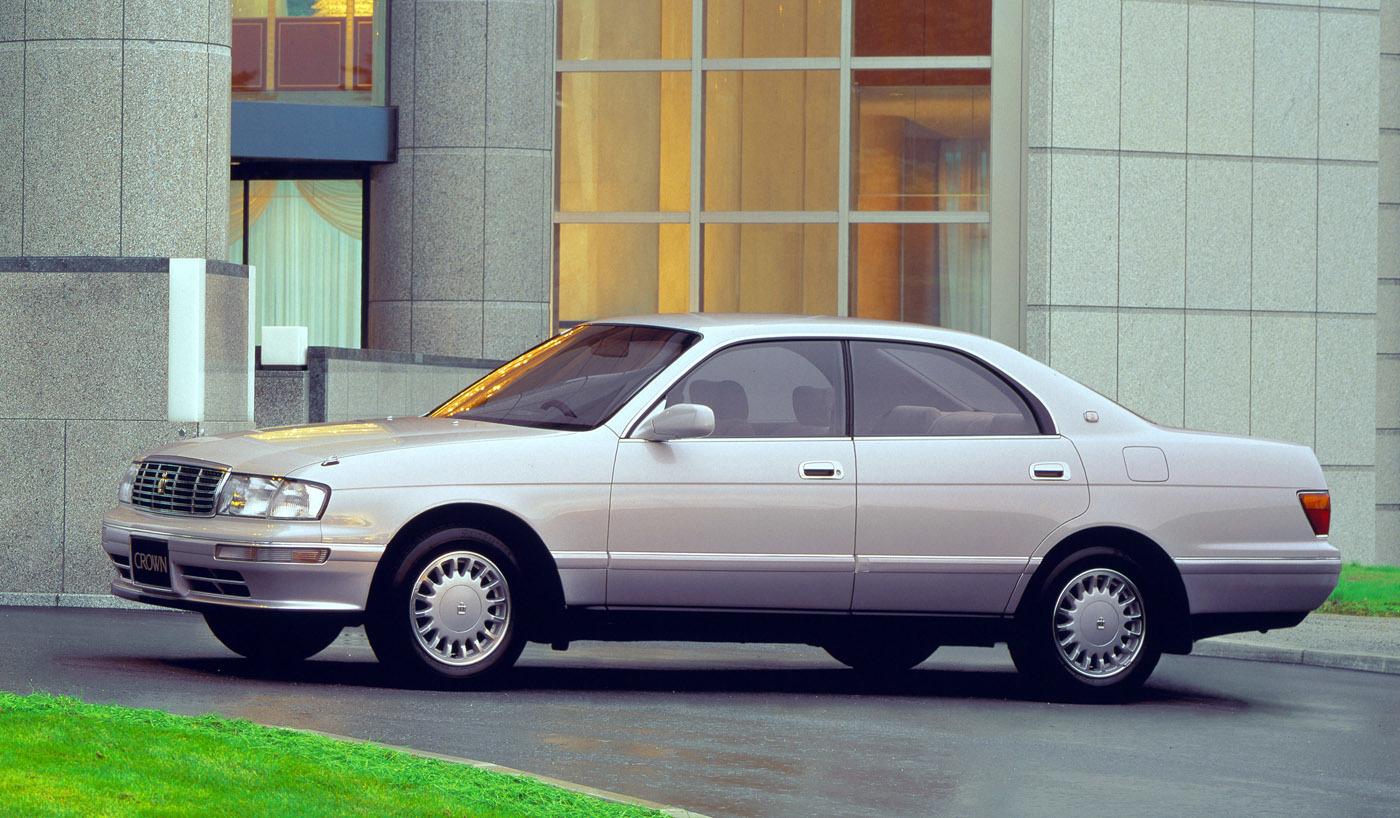 トヨタクラウン/この代から全車3ナンバーとなり、上級モデルとしてマジェスタも設定。クリーンなデザインだが、押し出しは弱い?