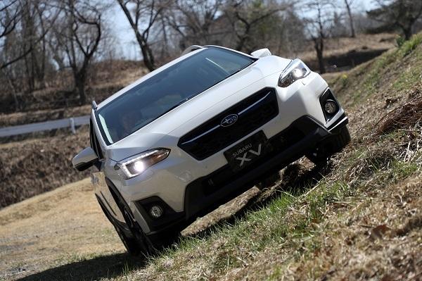 XVは3車のなかで最も高い最低地上高200mmを誇る点も美点
